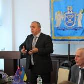 Фото №2: Лекція «Мегаекономіка і глобальні проблеми України».
