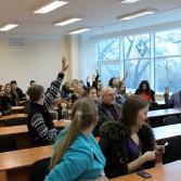 Фото №13: Студентські дебати «Глобалізація: за та проти»: «Young Generation» vs «Golden Capital».